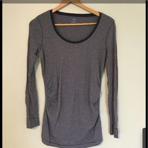 Gap Small Maternity Ruched Long Sleeve Top